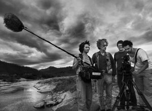 Wim Wenders mit seinem Team (C) FOTO: SEBASTIAO SALGADO/AMAZONAS IMAGES