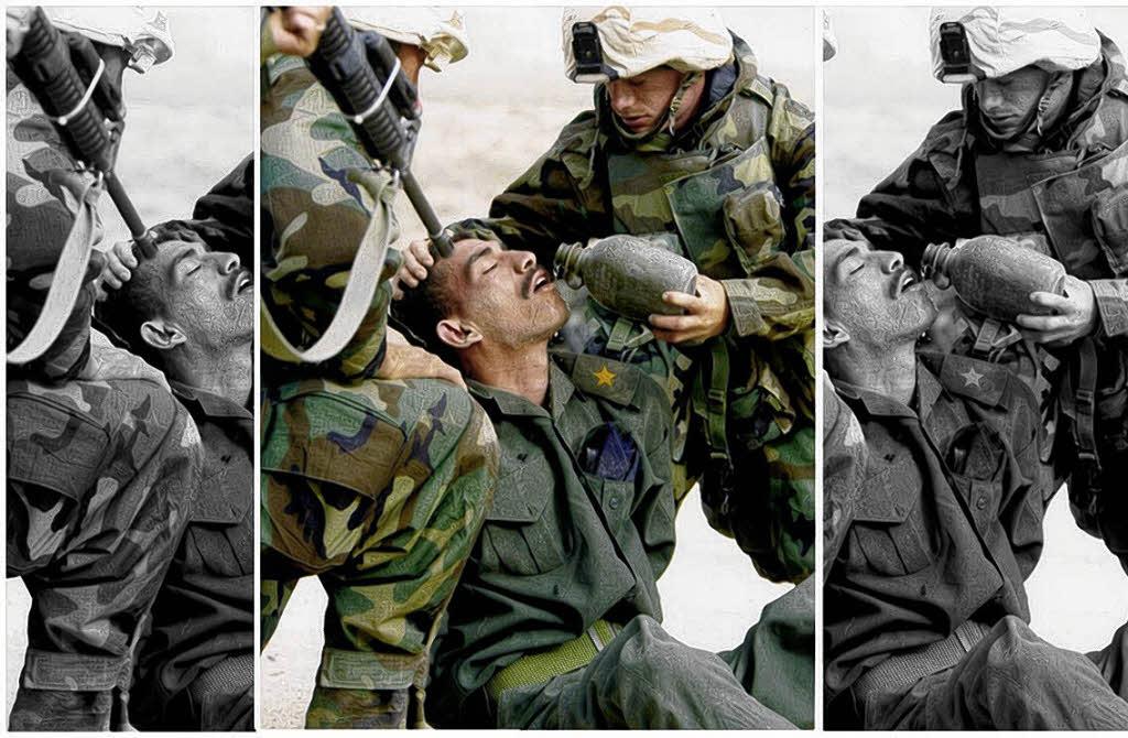 Ein Soldat, der bedroht wird? Ein Soldat, dem geholfen wird? Ob Folterszene oder Geste der Menschlichkeit: Der Bildausschnitt ist entscheident.