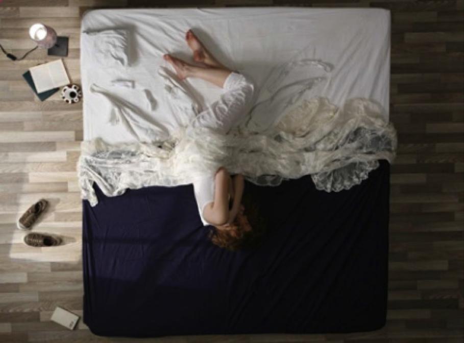 Hell - Dunkel: Eine klare Trennung zwischen Ton und Bild? Her Morning Elegance #1405: http://www.hmegallery.com/photos.php, Stand: 08.01.15